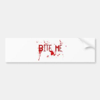 "La sangre verdadera ""me muerde "" pegatina para auto"