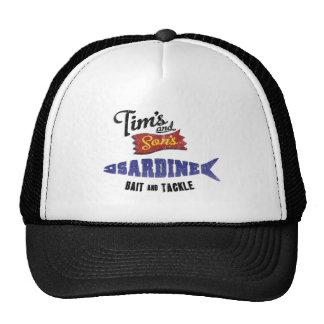 La sardina de Tim y del hijo cebo y tienda de los Gorras