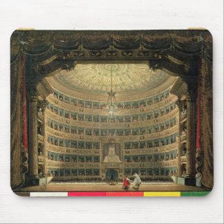 La Scala, Milano, durante un funcionamiento Tapetes De Ratones