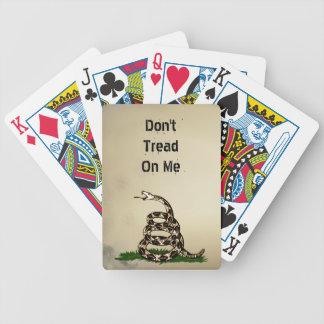 La segunda enmienda no pisa en mí la serpiente en baraja de cartas