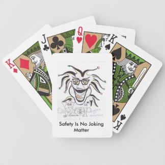 La seguridad no es ningún naipe humorístico de la  baraja de cartas bicycle