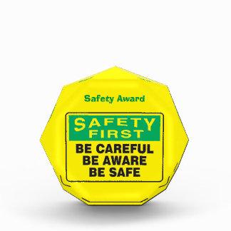 La seguridad primero, sea consciente