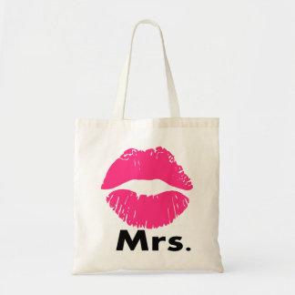 la señora, apenas casada, se casa nuevamente, aniv bolsa tela barata