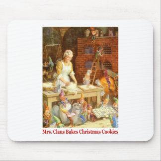 La señora Claus y los duendes cuece las galletas d Tapete De Raton