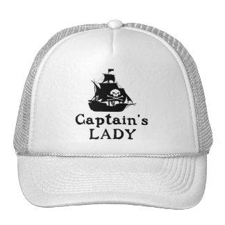 La señora del capitán gorro