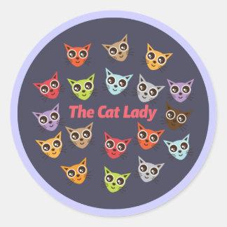 La señora del gato etiqueta redonda