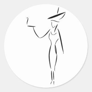 La señora en el gorra grande #1 pegatina redonda