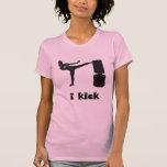 La señora Kickboxer/yo golpea con el pie Tshirts
