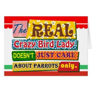 La señora loca real del pájaro tarjeta de felicitación