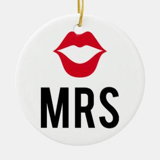 La señora texto con los labios rojos, para la adorno redondo de cerámica