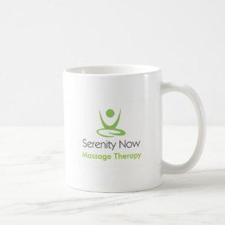 La serenidad ahora da masajes a terapia taza de café