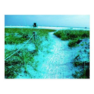 La siesta cierra la playa en regalos temáticos de  tarjetas postales