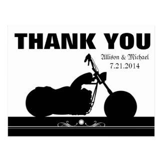 La silueta blanca negra del motorista de la motoci postal