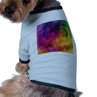 La sinfonía de colores gotea arte de la pintura camiseta de mascota