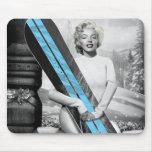 La snowboard de Marilyn Alfombrilla De Ratones