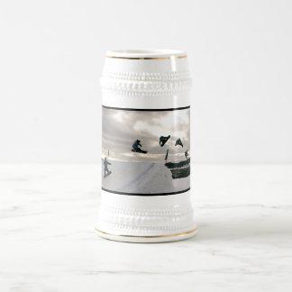 La snowboard engaña la cerveza Stein Tazas