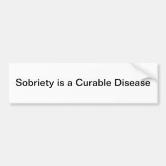 La sobriedad es una enfermedad curable pegatina de parachoque
