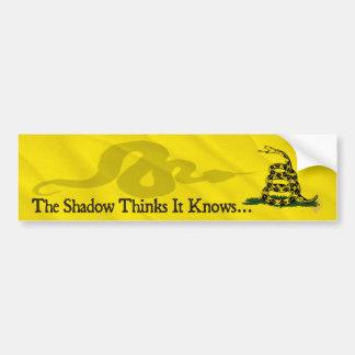 La sombra piensa que sabe (el texto) pegatina para auto