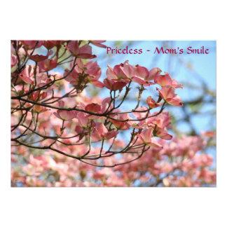 ¡La sonrisa de la mamá inestimable Dogwood rosado