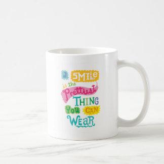 La sonrisa es la cosa más bonita que usted puede taza