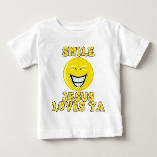La sonrisa Jesús ama Ya Tshirts