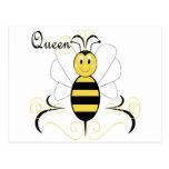 La sonrisa manosea la postal de la abeja reina de