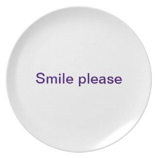 La sonrisa platea por favor platos