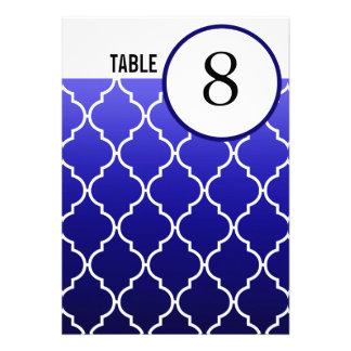 La tabla de Quatrefoil Ombre numera a la marina de Invitaciones Personalizada