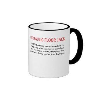 La tabla la taza del enchufe vio/del piso