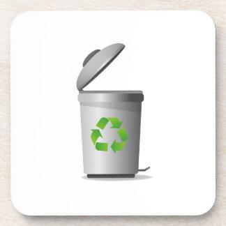 la tapa del bote de basura abierta recicla symbol. posavasos para bebidas