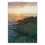 La tarjeta adaptable ofrece la puesta del sol de l