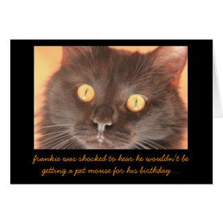 La tarjeta de cumpleaños chocada divertida del