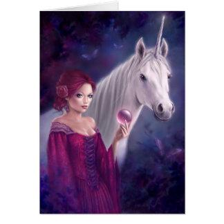La tarjeta de felicitación mística del unicornio