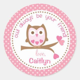 La tarjeta del día de San Valentín del búho que Pegatina Redonda