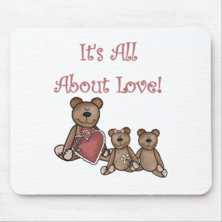 La tarjeta del día de San Valentín lleva todos sob Tapetes De Ratón