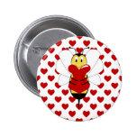 La tarjeta del día de San Valentín manosea el botó Pin