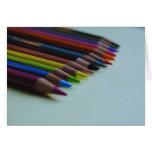 La tarjeta del lápiz coloreado
