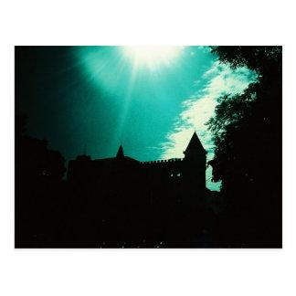 La tarjeta del paisaje de la salida del sol postal