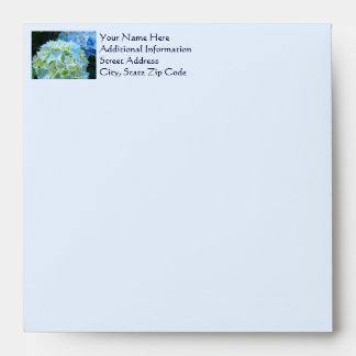La tarjeta envuelve el personalizado azul de las sobre