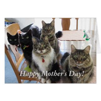 La tarjeta feliz del día de madre de la cuadrilla