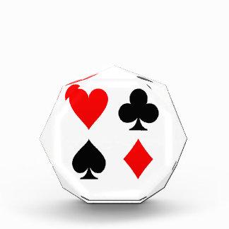 La tarjeta se adapta a rojo y a negro