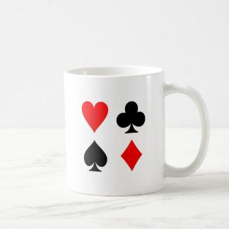 La tarjeta se adapta a rojo y a negro taza básica blanca