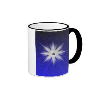 La taza atenta del curador