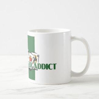 La taza blanca del adicto al póker de Pai Gow