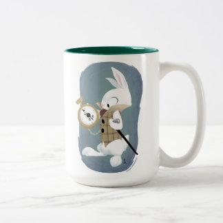 La taza blanca del conejo