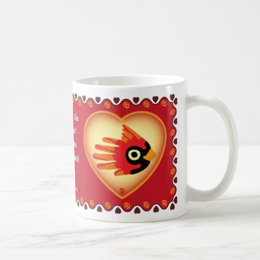 La taza cardinal de la tarjeta del día de San