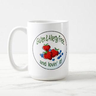 La taza con el gluten y la alergia liberan el