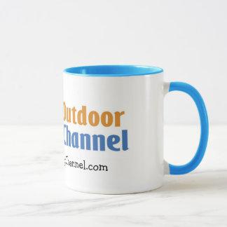 La taza de café de cocinar al aire libre del canal