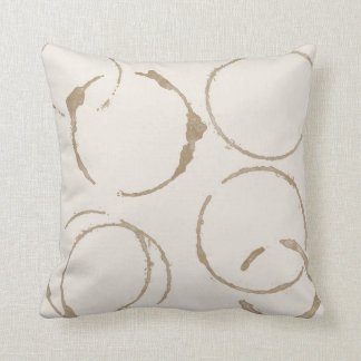 La taza de café de la mañana mancha las almohadas cojín decorativo