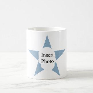 La taza de encargo de la estrella de la oficina